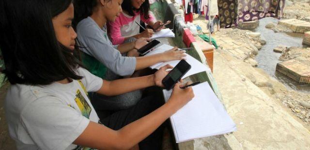 Kucurkan Rp7,2 Triliun! Pemerintah Bakal Bantu Pulsa Internet untuk Belajar