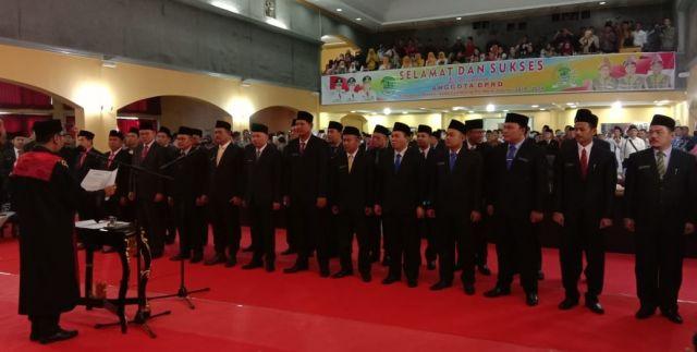 Resmi dilantik, 25 DPRD PALI Ucapkan Sumpah Jabatan