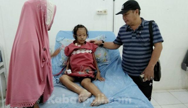 Perut dan Kaki Membesar, Seorang Anak di bawa Ke RSUD PALI