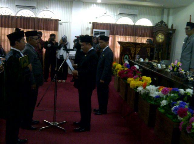 Gantikan Marta, Mulyadi dilantik Jadi Dewan Sebagai PAW