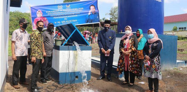 Tepati Janji Politiknya, Sri Kustina Berikan Akses Air Bersih