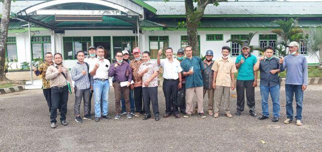 Perjuangkan Lahannya yang dikuasai PT.MHP, Warga Datangi Kantor Bupati